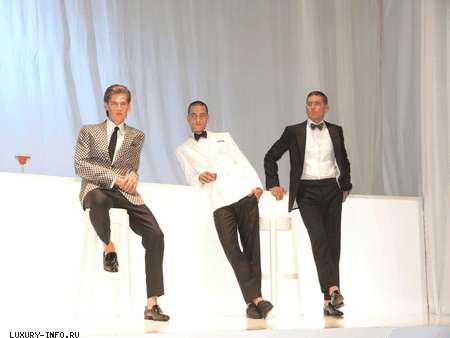 <a href='http://luxury-info.ru/company/205.html'>Valentino</a> <a href='http://luxury-info.ru/model/4657.html'>весна-лето 2008</a>